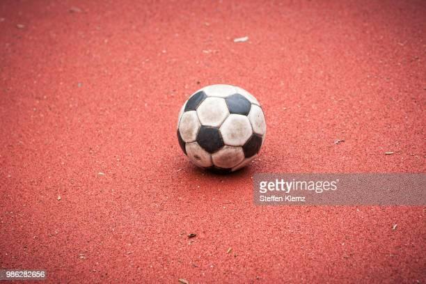 a football - fussball stock-fotos und bilder