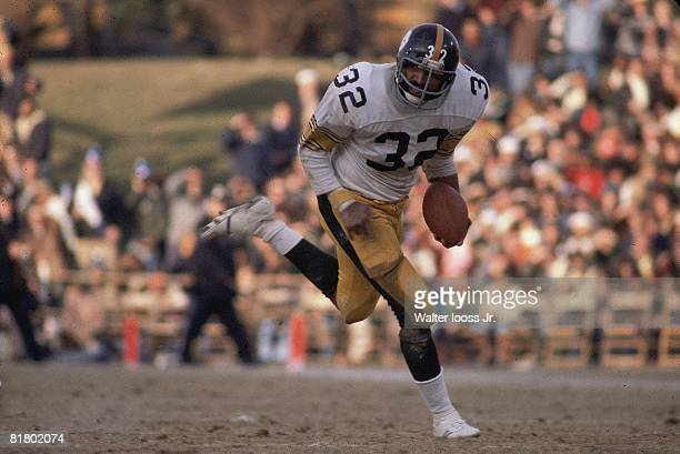 Football Pittsburgh Steelers Franco Harris in action rushing vs Baltimore Colts Baltimore MD