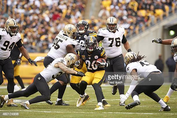 Pittsburgh Steelers Le'Veon Bell in action rushing vs New Orleans Saints Kenny Vaccaro at Heinz Field Pittsburgh PA CREDIT Fred Vuich