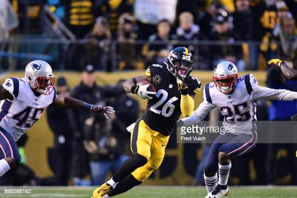 Pittsburgh Steelers Le'Veon Bell in action rushing vs New England Patriots at Heinz Field Pittsburgh PA CREDIT Fred Vuich