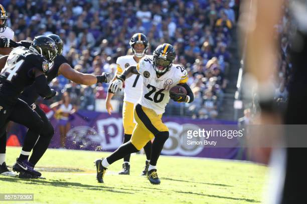 Pittsburgh Steelers Le'Veon Bell in action rushing vs Baltimore Ravens at MT Bank Stadium Baltimore MD CREDIT Simon Bruty