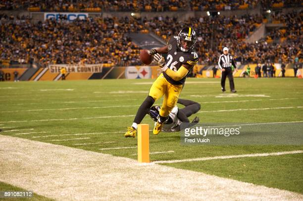 Pittsburgh Steelers Le'Veon Bell in action rushing vs Baltimore Ravens at Heinz Field Pittsburgh PA CREDIT Fred Vuich
