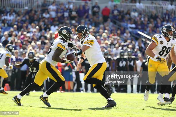 Pittsburgh Steelers QB Ben Roethlisberger in action handing off to Le'Veon Bell vs Baltimore Ravens at MT Bank Stadium Baltimore MD CREDIT Simon Bruty