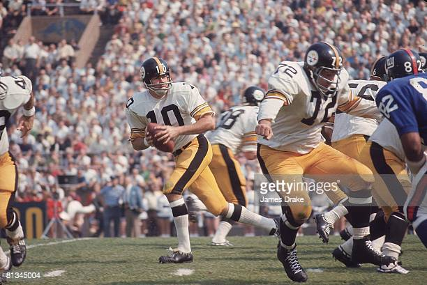 Football Pittsburgh Steelers QB Kent Nix in action vs New York Giants Pittsburgh PA 9/15/1968