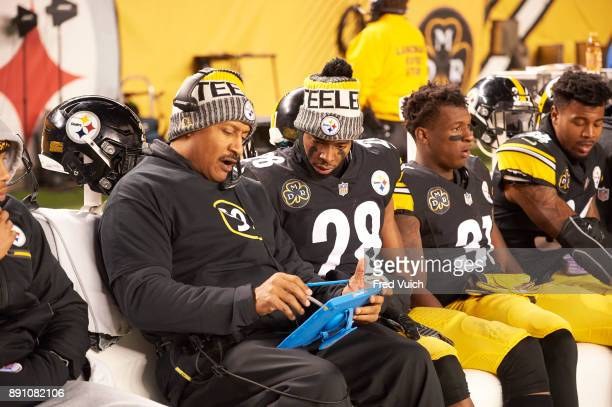 Pittsburgh Steelers Sean Davis on bench with defensive backs coach Carnell Lake during game vs Baltimore Ravens at Heinz Field Pittsburgh PA CREDIT...