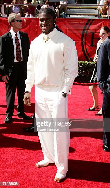 Football player Reggie Bush arrives at the 2006 ESPY Awards at the Kodak Theatre on July 12 2006 in Hollywood California