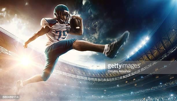 Corridas Jogador de futebol com a bola