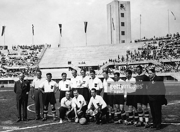 Football players of the Austrian team pose before first round soccer match between Austria and France during the World Cup on May 27 1934 in Turin...