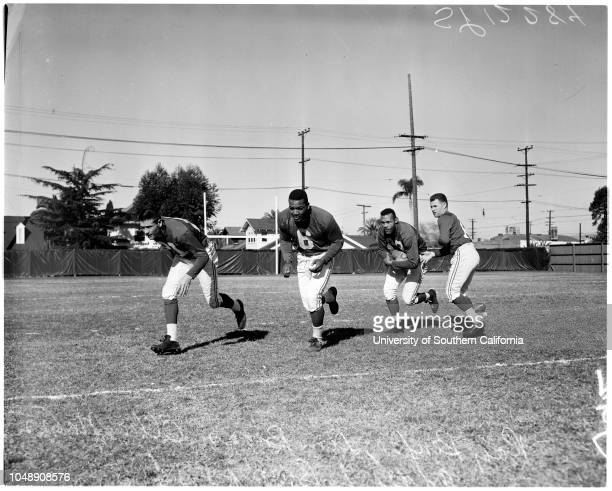 Football Pro Bowl Eastern squad 5 January 1958 Earl MorrallEddie LeBaronBuddy ParkerHarry GilmerChuck BednarikEmlen TunnellLou GrozaJohn CarsonJim...