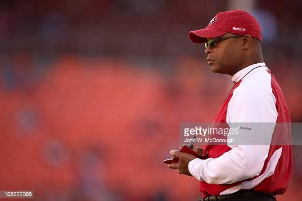 San Francisco 49ers head coach Mike Singletary before game vs Philadelphia Eagles San Francisco CA CREDIT John W McDonough