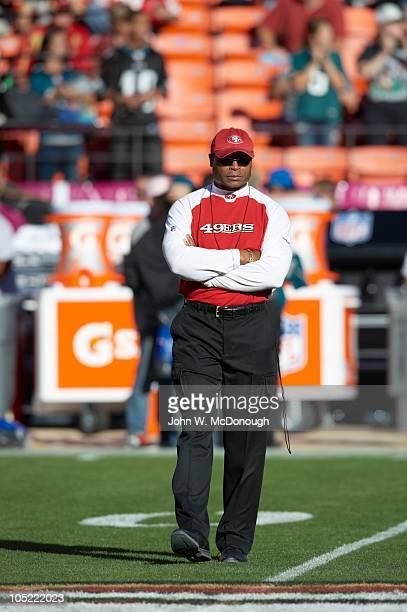 San Francisco 49ers head coach Mike Singletary during game vs Philadelphia Eagles San Francisco CA CREDIT John W McDonough