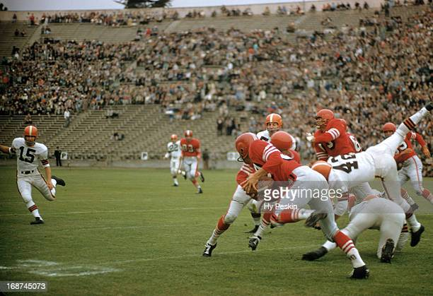 San Francisco 49ers Hugh McElhenny in action rushing vs Cleveland Browns at Kezar Stadium San Francisco CA CREDIT Hy Peskin