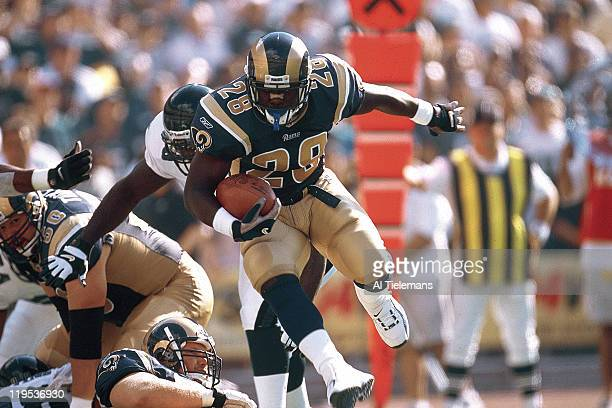 St Louis Rams Marshall Faulk in action vs Philadelphia Eagles at Veterans Stadium Philadelphia PA CREDIT Al Tielemans