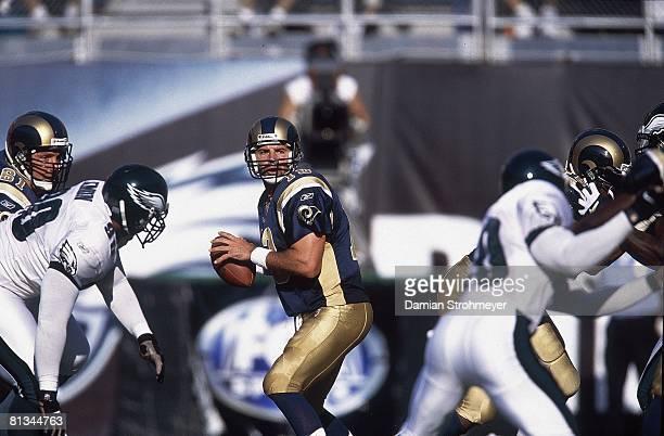 Football St Louis Rams QB Kurt Warner in action making pass vs Philadelphia Eagles Philadelphia PA 9/9/2001