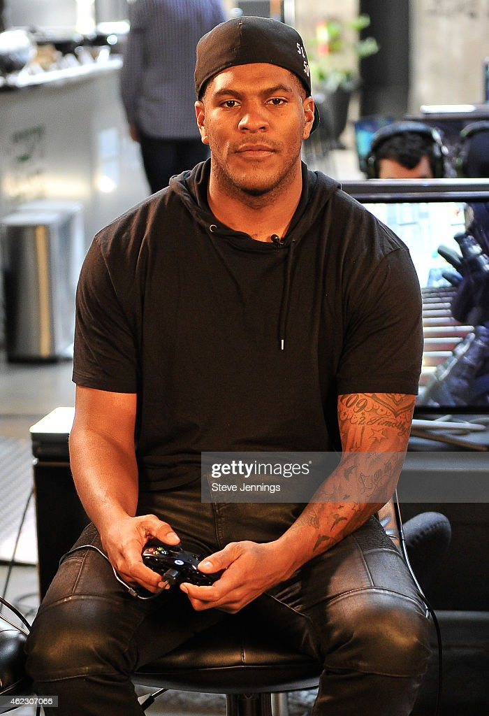 Football Star Julius Thomas Livestreams Call of Duty: Advanced Warfare Havoc DLC from Xbox Loft