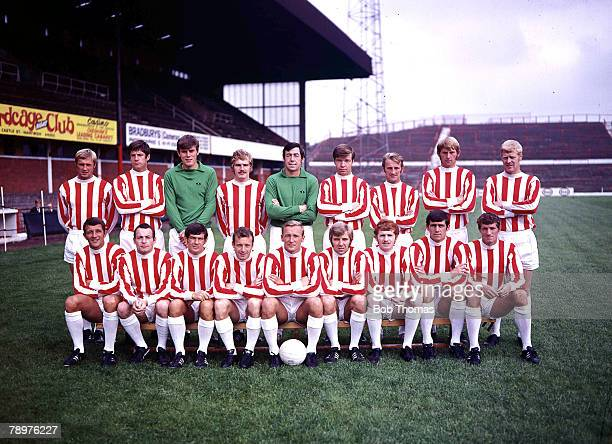 Football Stoke City FC Team Picture 1969/70 Back Row left to right JGreenhoff ABloon JFarmen GBanks AElden GEastham DSmith TAllen Front Row left to...