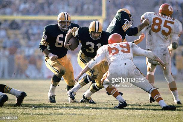Super Bowl I Green Bay Packers Jim Taylor in action rushing vs Kansas City Chiefs Sherrill Headrick Los Angeles CA 1/15/1967 CREDIT Walter Iooss Jr