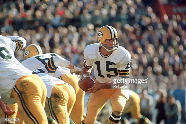 Super Bowl II Green Bay Packers QB Bart Starr in action vs Oakland Raiders at Orange Bowl Stadium Miami FL 1/14/1968CREDIT Neil Leifer