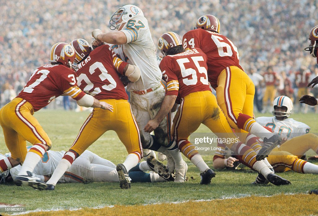Miami Dolphins Bob Kuechenberg In Action Blocking Vs Washington