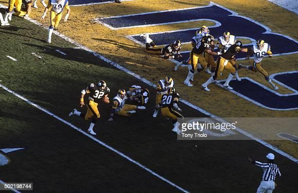 Super Bowl XIV Aerial view of Pittsburgh Steelers Franco Harris in action rushing vs Los Angeles Rams at Rose Bowl Stadium Pasadena CA CREDIT Tony...