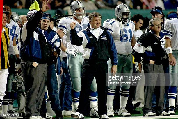 Super Bowl XXVII Dallas Cowboys head coach Jimmy Johnson on sidelines with team during game vs Buffalo Bills at Georgia Dome Atlanta GA CREDIT Damian...