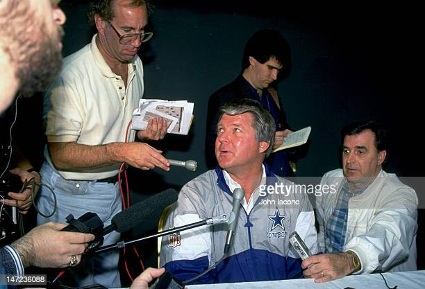 Super Bowl XXVII Week Dallas Cowboys head coach Jimmy Johnson speaks with media at Rose Bowl Stadium Pasadena CA CREDIT John Iacono