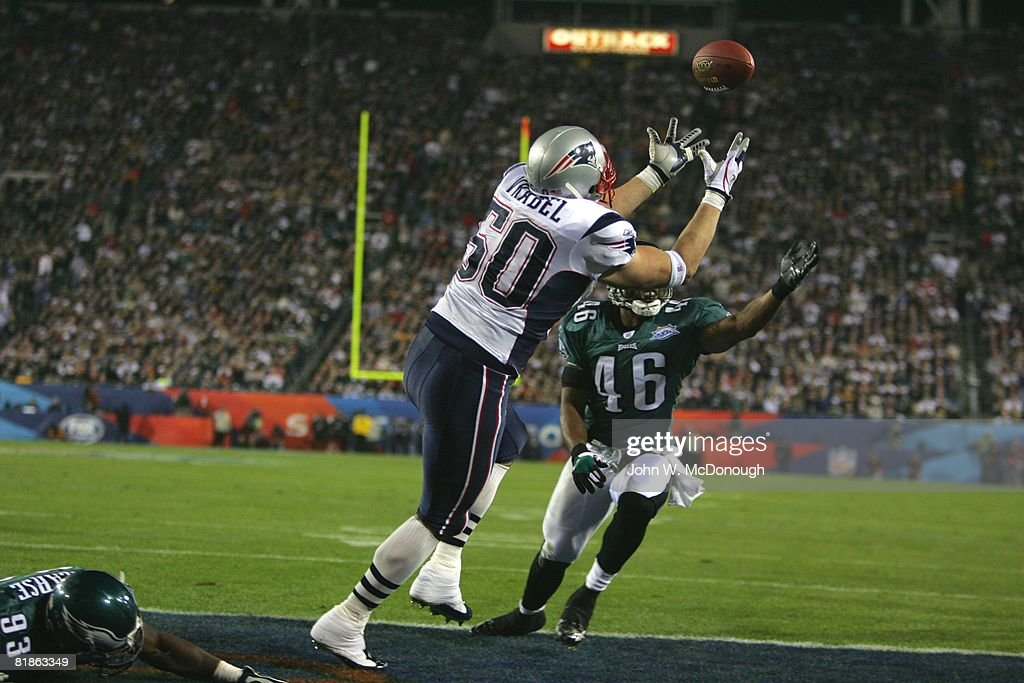 https://media.gettyimages.com/photos/football-super-bowl-xxxix-new-england-patriots-mike-vrabel-in-action-picture-id81863349?k=6&m=81863349&s=612x612&w=0&h=DVo1b5KcTgjJsoupOIZD-Mkjw7-ID2K3IpZ3KJvjkuc=