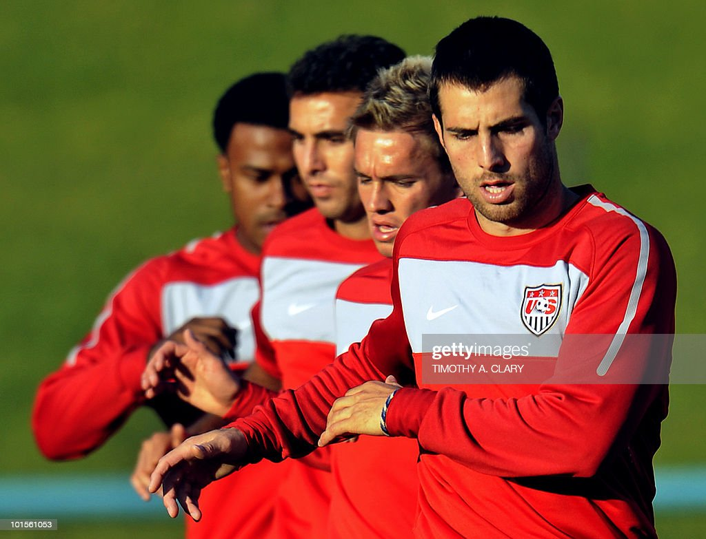 US football team captain Carlos Bocanegra (R) takes part in a training session with teammates at Pilditch Stadium on June 2, 2010 in preparation for the 2010 FIFA World Cup held in South Africa.