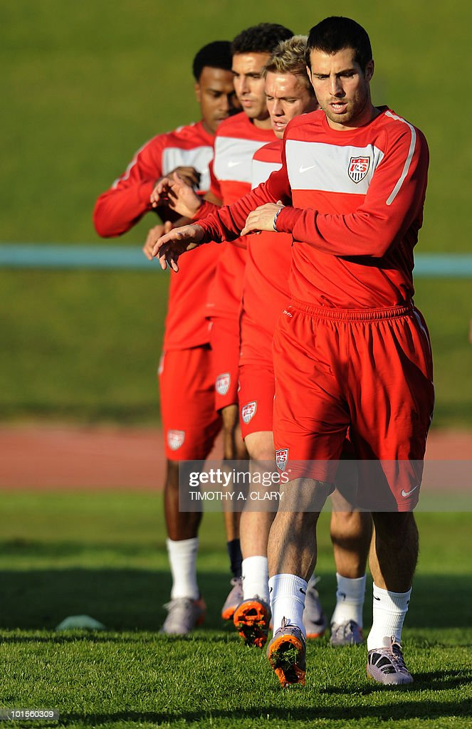 US football team captain Carlos Bocanegro (R) takes part with teammates a training session at Pilditch Stadium on June 2, 2010 in preparation for the 2010 FIFA World Cup held in South Africa.