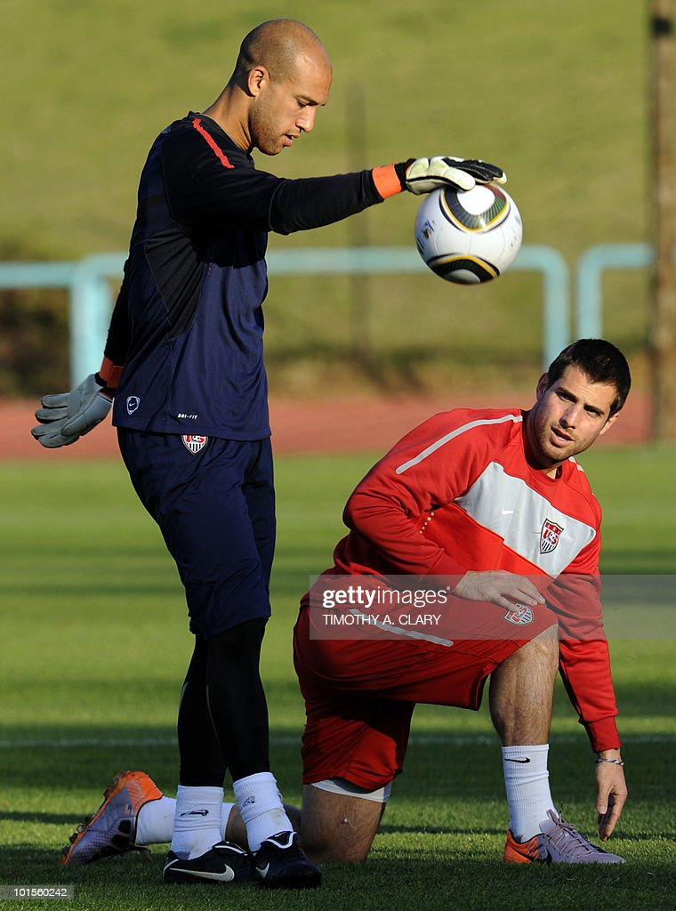 US football team goalkeeper Tim Howard (L) and captain Carlos Bocanegro take part in a training session at Pilditch Stadium on June 2, 2010 in preparation for the 2010 FIFA World Cup held in South Africa.