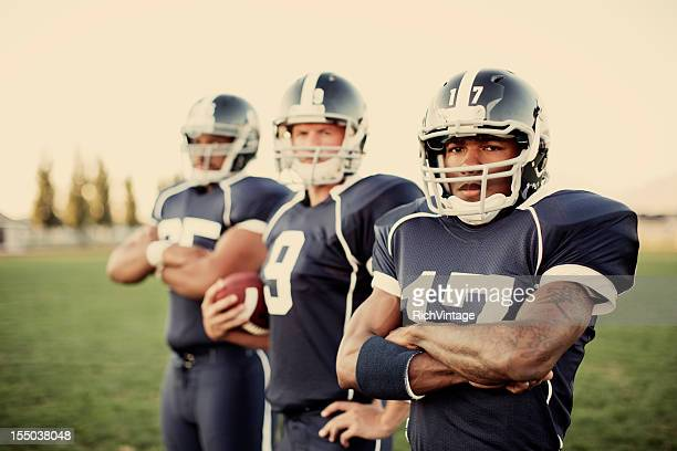 football team - wide receiver athlete stock pictures, royalty-free photos & images