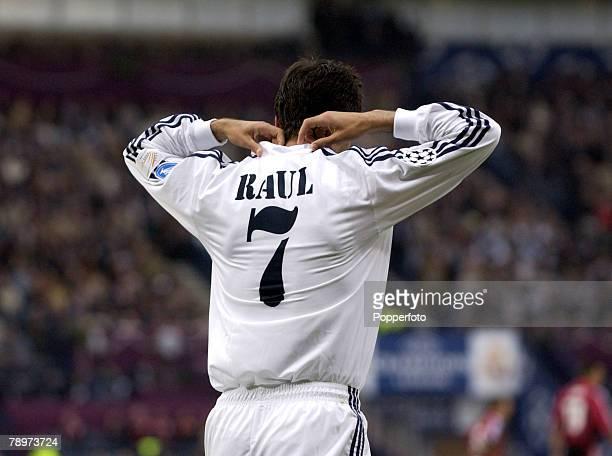 Football UEFA Champions League Final Hampden Park Glasgow 15th May 2002 Real Madrid 2 v Bayer Leverkusen 1 Real Madrid's Raul adjusts his collar...