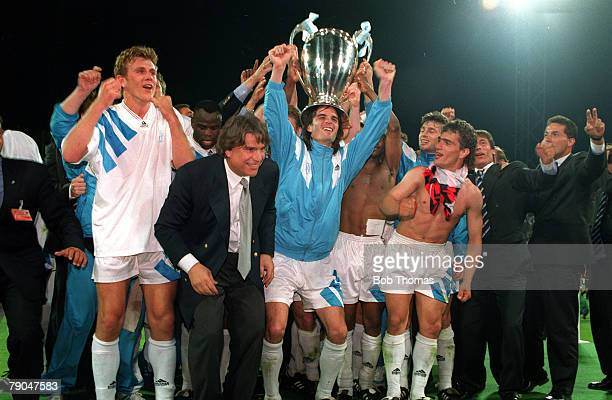 Football UEFA Champions League Final Munich Germany 26th May 1993 Marseille 1 v AC Milan 0 The Marseille players and officials celebrate with club...
