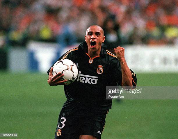 Football UEFA Champions League Final Paris France 24th May Real Madrid 3 v Valencia 0 Real Madrid's Roberto Carlos shows his delight at the end by...