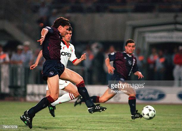 Football UEFA Champions League Final Vienna Austria 24th May 1995 Ajax 1 v AC Milan 0 Jari Litmanen of Ajax is supported by teammate Marc Overmars as...