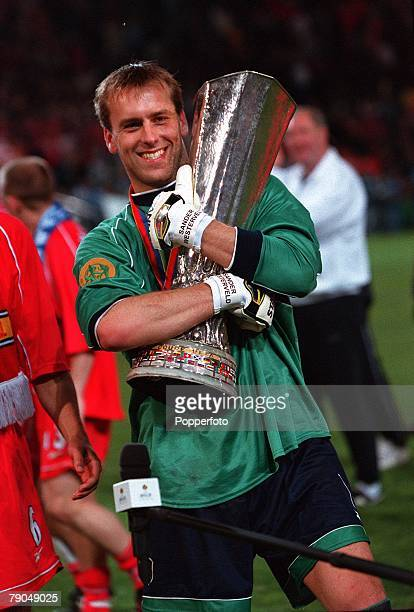 Football UEFA Cup Final 16th May 2001 Dortmund Germany Liverpool 5 v Deportivo Alaves 4 Liverpool goalkeeper Sander Westerveld celebrates with the...