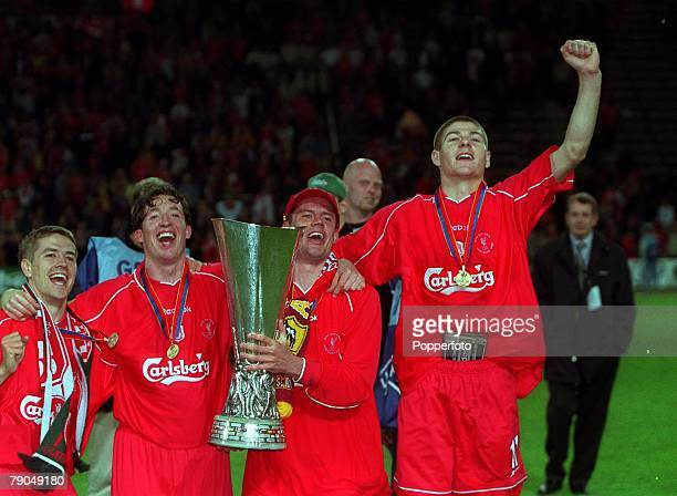 Football UEFA CUP Final 16th May 2001 Dortmund Germany Liverpool 5 v Deportivo Alaves 4 Liverpool players LR Michael Owen Robbie Fowler Jamie...