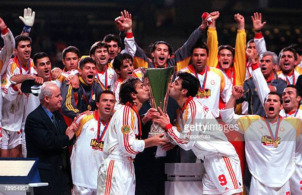 Football UEFA Cup Final 17th May Copenhagen Denmark Galatasaray bt Arsenal 41 on penalties Galatasaray's Captain Kormaz Bulent and Hakan Suker kiss...