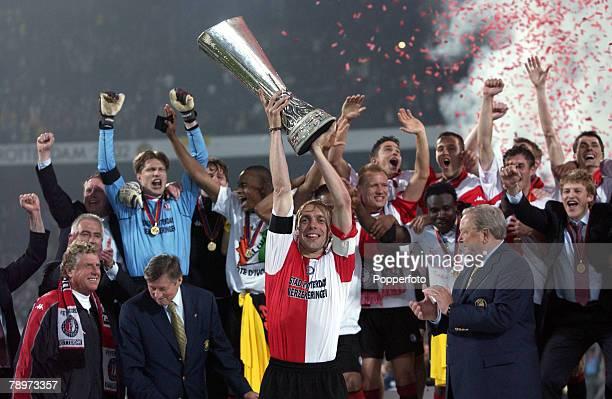 Football, UEFA Cup Final, Rotterdam, Holland, 8th May 2002, Feyenoord 3 v Borussia Dortmund 2, Feyenoord captain Paul Bosvelt lifts the trophy