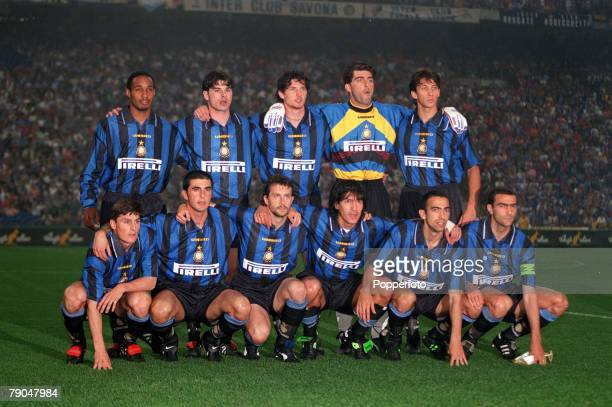 Football UEFA Cup Final Second Leg Milan Italy 21st May 1997 Inter Milan 1 v Schalke 04 0 The Inter Milan team lineup together for a group photograph...