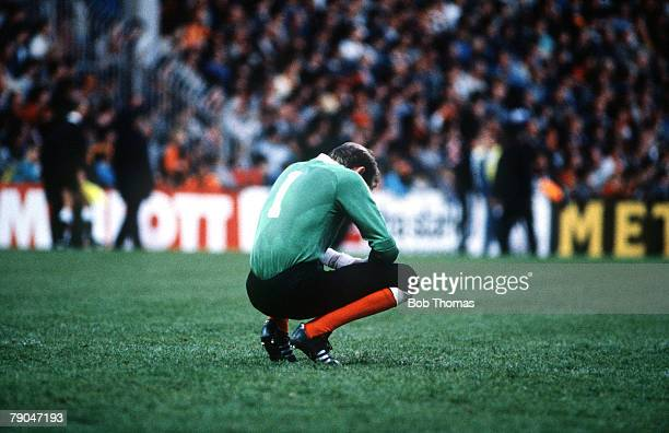 Football UEFA Cup Final Second Leg Tannadice Park Scotland 20th May 1987 Dundee United 1 v IFK Gothenburg 1 Dundee United goalkeeper Billy Thompson...