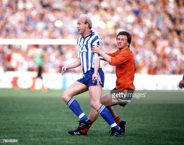 Football UEFA Cup Final Second Leg Tannadice Park Scotland 20th May 1987 Dundee United 1 v IFK Gothenburg 1 Gothenburg's Tord Holmgren is challenged...