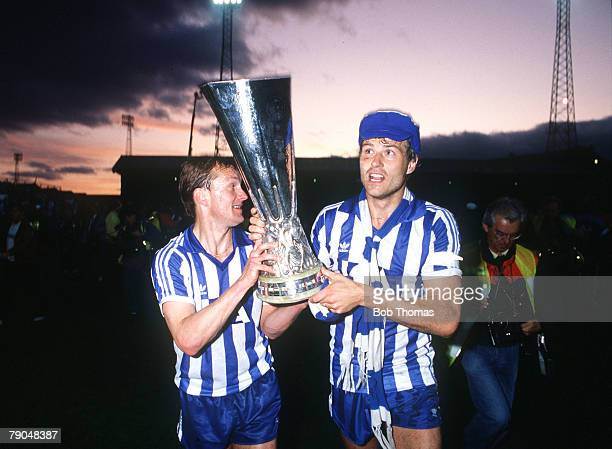 Football UEFA Cup Final Second Leg Tannadice Park Scotland 20th May 1987 Dundee United 1 v IFK Gothenburg 1 Gothenburg's Stig Fredriksson and captain...
