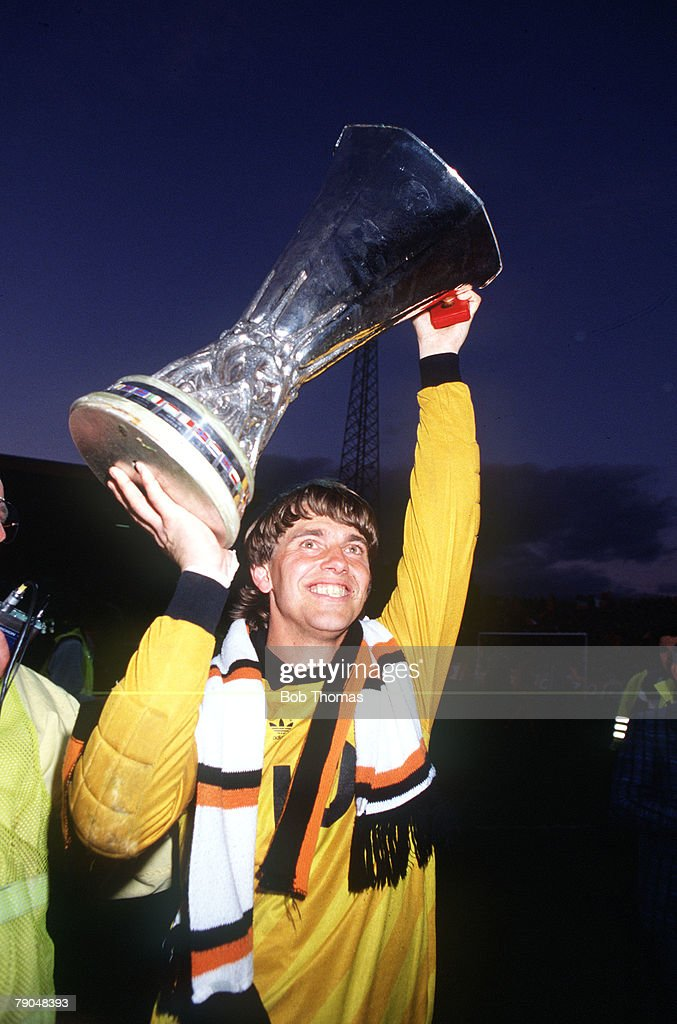 Football. UEFA Cup Final, Second Leg. Tannadice Park, Scotland. 20th May 1987. Dundee United 1 v IFK Gothenburg 1 (Gothenburg win 2-1 on aggregate). Gothenburg goalkeeper Thomas Wernersson holds the trophy aloft. : News Photo