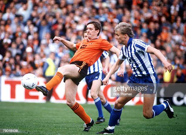 Football UEFA Cup Final Second Leg Tannadice Park Scotland 20th May 1987 Dundee United 1 v IFK Gothenburg 1 Dundee United's Billy Kirkwood is watched...