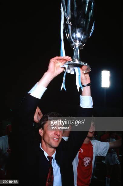 Football, UEFA Cup Winners Cup Final, Athens, Greece, 15th May 1987, Ajax Amsterdam 1 v Lokomotiv Leipzig 0, Ajax coach Johan Cruyff holds the trophy...