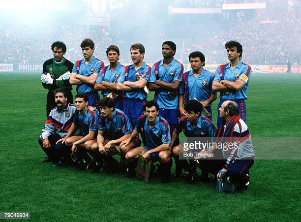 Football UEFA Cup Winners Cup Final Berne Switzerland 10th May 1989 Barcelona 2 v Sampdoria 0 The Barcelona team lineup together for a group...