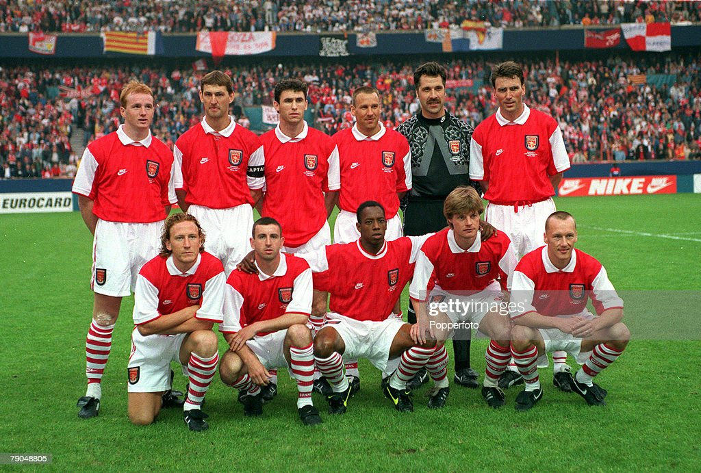 Football. UEFA Cup Winners Cup Final. Paris, France. 10th May 1995. Arsenal 1 v Real Zaragoza 2 (after extra time). The Arsenal team line-up together for a group photograph prior to the match. Back Row L-R: John Hartson, Tony Adams, Martin Keown, Paul Mer : News Photo