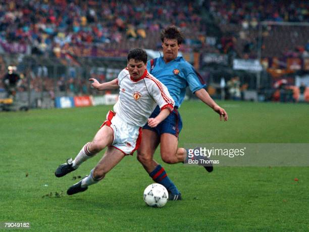 Football UEFA Cup Winners Cup Final Rotterdam Holland 15th May 1991 Manchester United 2 v Barcelona 1 Manchester United's Dennis Irwin is challenged...