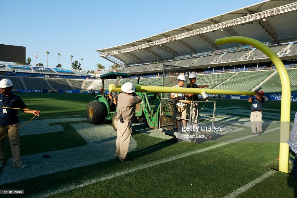 View of grounds crew installing goalpost before Los Angeles Chargers vs Philadelphia Eagles at StubHub Center. Robert Beck TK1 )